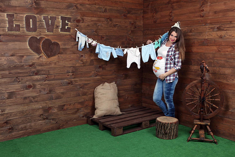 Фотосессия беременности c одеждой