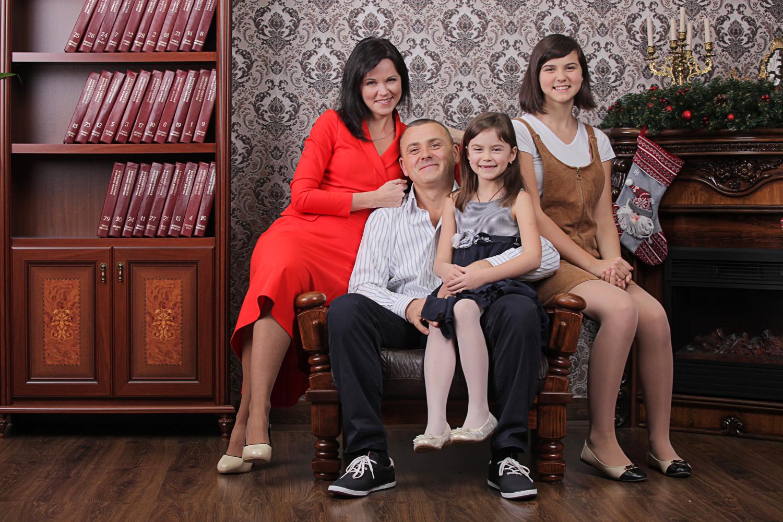 заказать семейную фотосессию в студии
