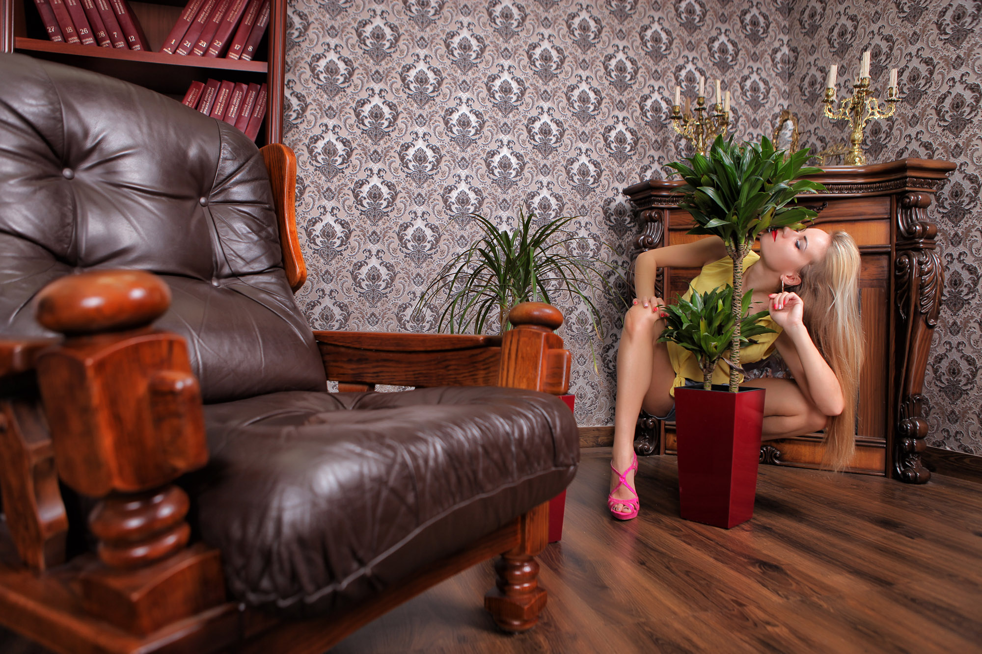 фотозона , интерьерная фото студия , ноги, цветы, кабинет