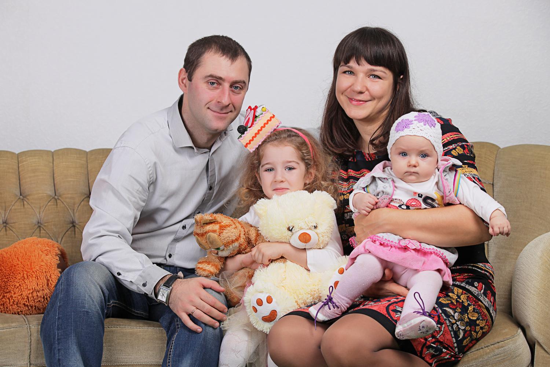Семейная фотосессия в студии Киев